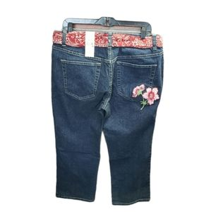 Tommy Hilfiger NWT Embroidered Capri Jeans